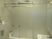Душевые шторки для ванной стеклянные